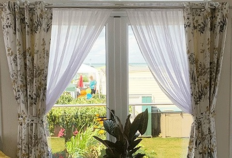 Link to the Woodyatt Curtains website